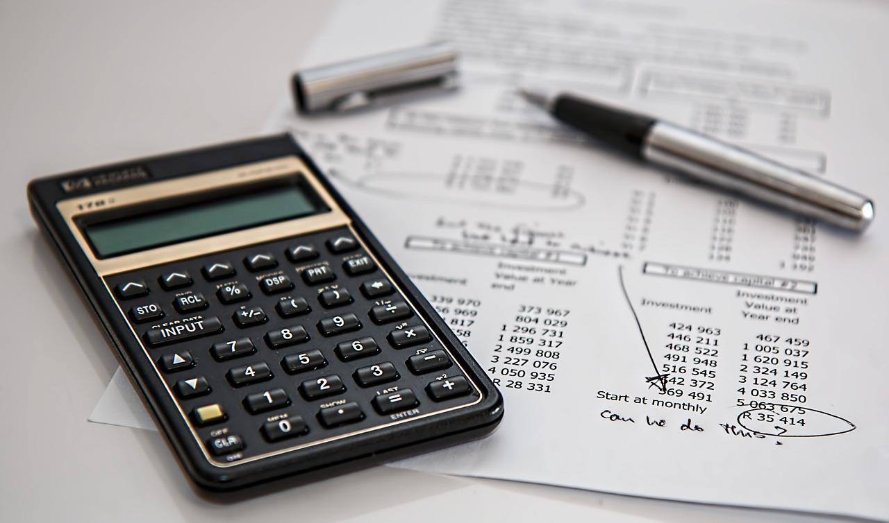 Analyste financier, conseiller financier, analyste crédit